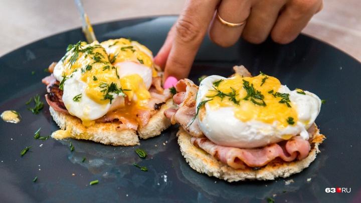 Фантастический завтрак: яйца бенедикт с соусом голландез