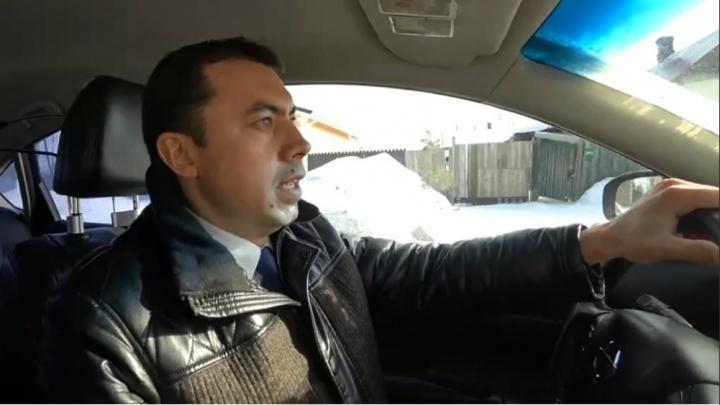 Разоблачил сам себя: в Ярославской области чиновник попался на непристёгнутом ремне