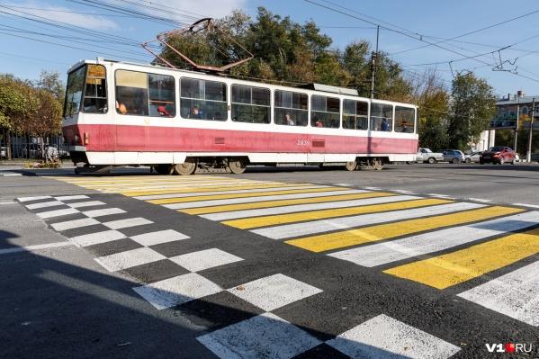 Новый пешеходный переход появился на улице Краснознаменской