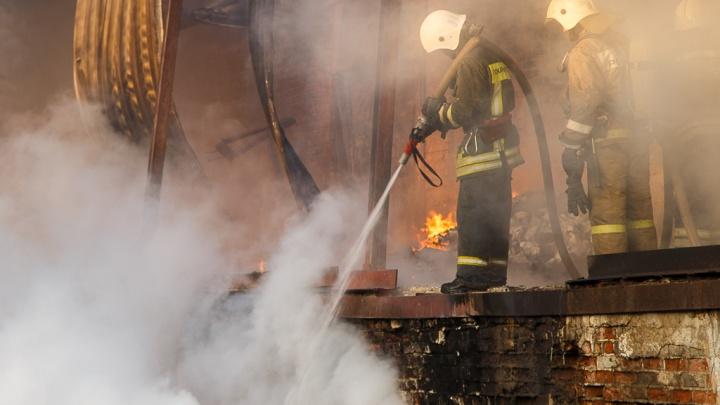 Молодая мать с ребенком в больнице: под Михайловкой сгорел и обрушился дом