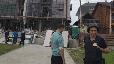 Тюменцы купили две квартиры в Сочи за 6 миллионов. А на следующий день новостройку стали сносить