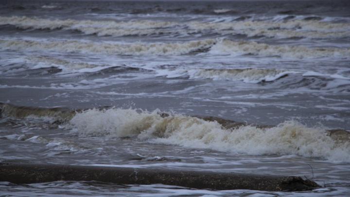 Из-за шторма у жителей островного Архангельска возникли проблемы