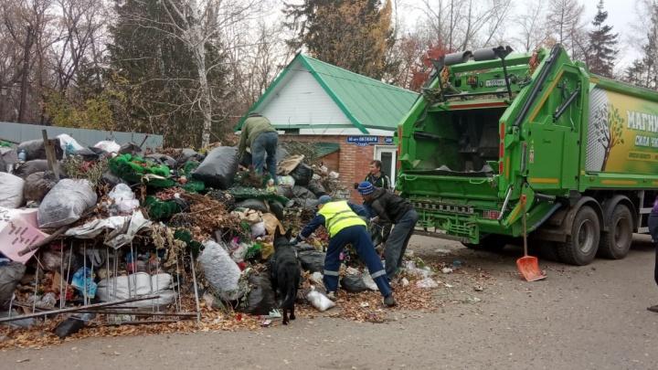 «Магнит» объяснил, почему не вывозил мусор с городских кладбищ на протяжении всего лета