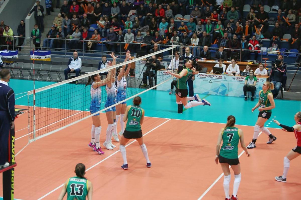 «Не хватило сил»: в Нижнем Тагиле волейболистки «Уралочки» проиграли действующим чемпионкам страны