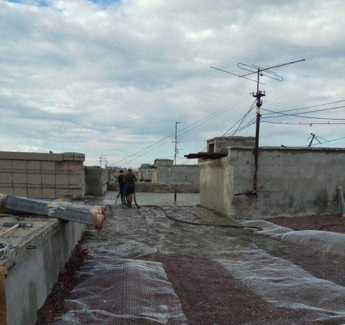 Жильцы теперь самостоятельно контролируют ремонт крыши дома