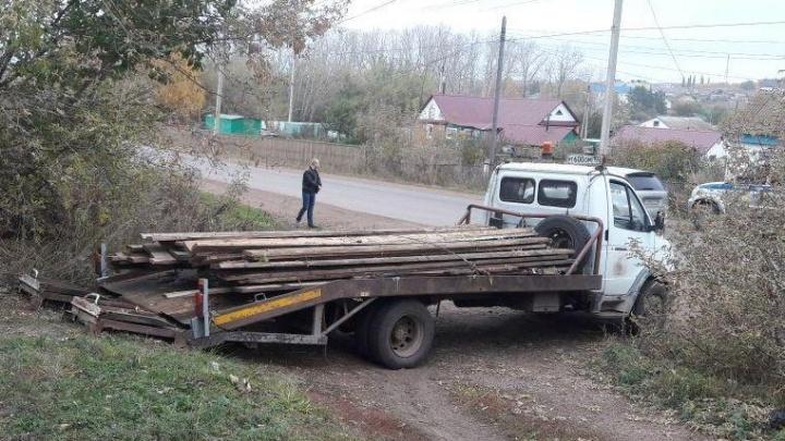В Башкирии пешеход, попавший под колеса грузовика, скончался в больнице