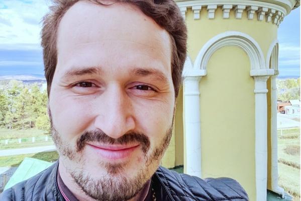 Сергея Зотова временно переводили в сельский храм