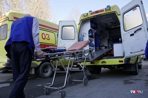 Мужчина, укравший медицинский набор, сам обратился в полицию. С жалобой на водителя скорой помощи: якобы тот ударил его, когда отбивался