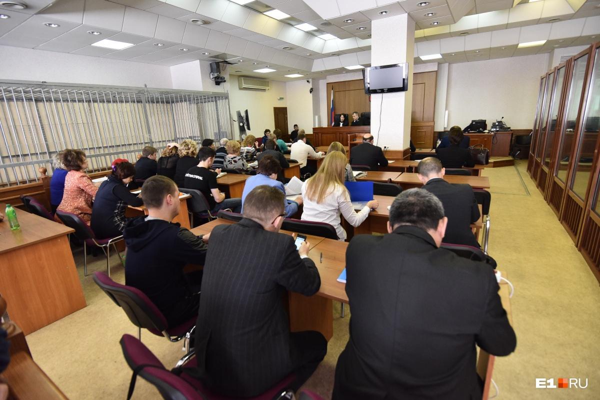 «Дмитрий сел с нами за один стол»: Олег Шишов рассказал, с чего начался конфликт в Цыганском поселке