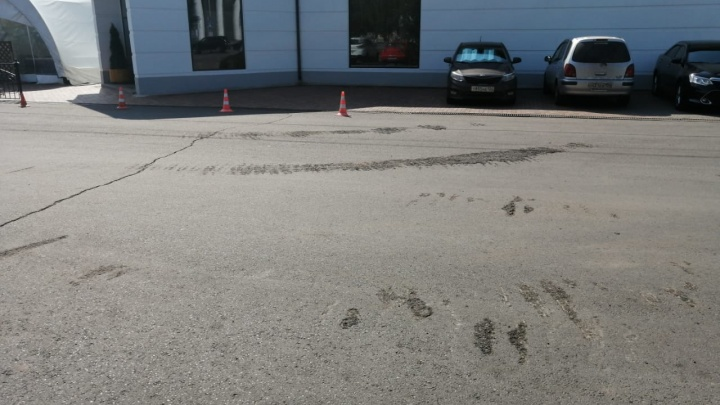 Танки повредили асфальт в центре Красноярска: в мэрии рассказали, когда отремонтируют