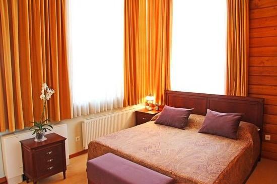 Так выглядит спальня в одном из гостиничных номеров
