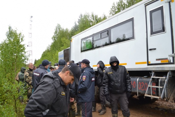 Активисты утверждают, что именно этот КАМАЗ сегодня отправился за топливом