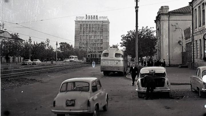 «Свердловчане получили дворец-сказку, где их будут обслуживать»: как строили и открывали «Рубин»