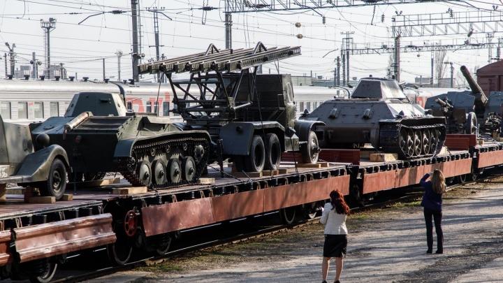 Считаем часы: «Воинский эшелон» подъезжает к Волгограду