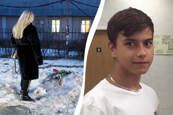 Светлана примчалась на место, когда подростка уже везли в больницу
