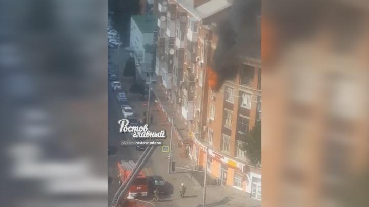 На Сельмаше загорелась квартира в пятиэтажном доме