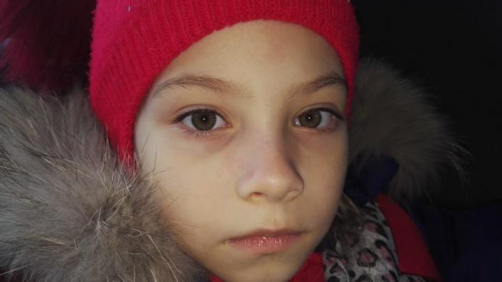 Юной супермодели из Новосибирска сломали нос на школьном уроке