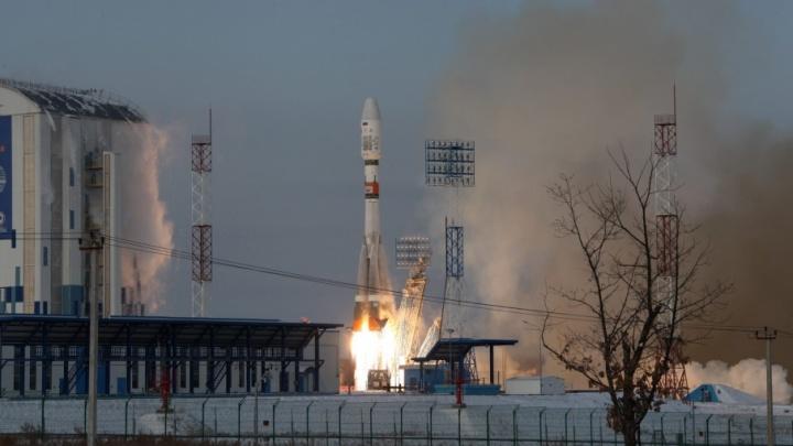 Запущенный с космодрома Восточный спутник рухнул в Атлантический океан
