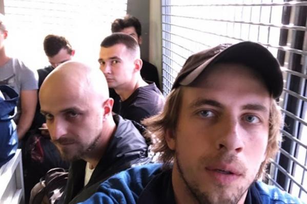 Александр Паль снял видео в автозаке