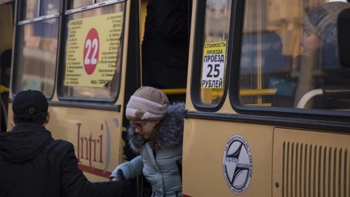 «Длинные маршруты и просьба мэрии»: копейские маршрутчики объяснили, почему взвинтили цены