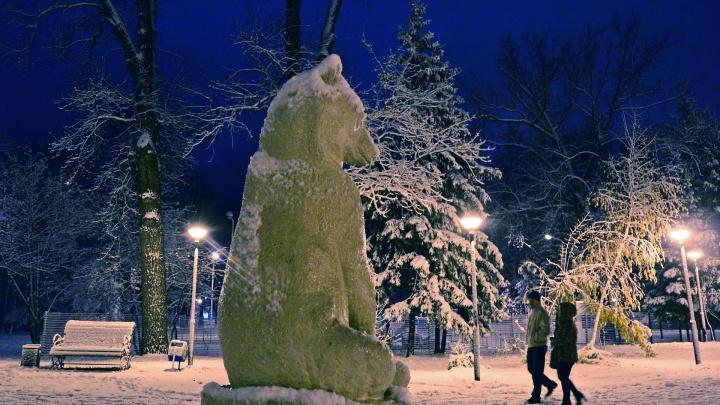 Синий иней: на Уфу обрушился первый снегопад