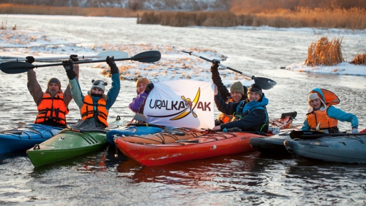 «Минус нам не страшен»: челябинские каякеры открыли сезон на реке Миасс