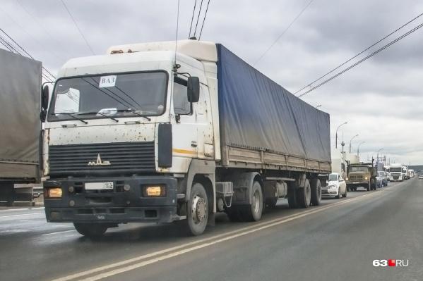 Фуры не пустят на дублер магистрали возле Мехзавода