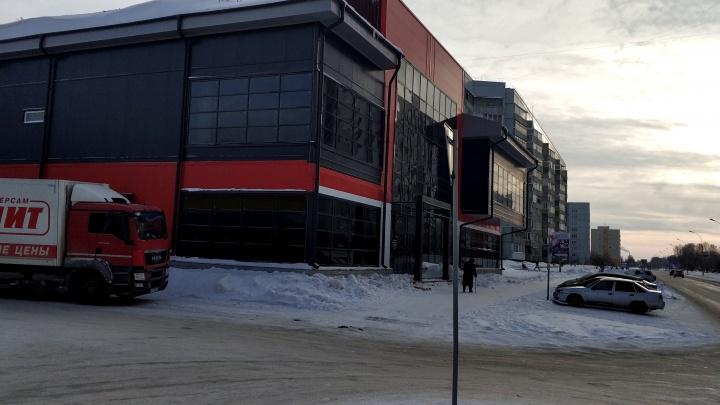 Не так построили: минстрой и администрация Краснообска поспорили из-за ТЦ