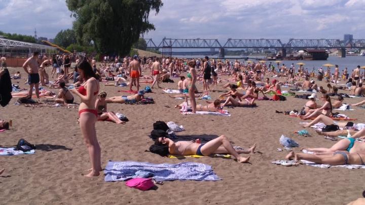 Фото: новосибирцы отправились спасаться от жары на «Наутилус»