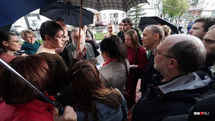 В Перми предприниматели собрали подписи против двойной платы за мусор