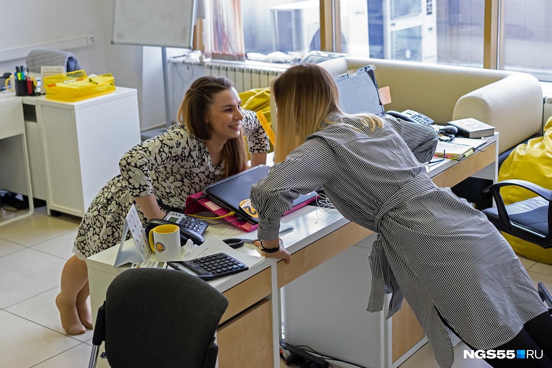 На работе тоже можно выплеснуть энергию, например, сделав зарядку