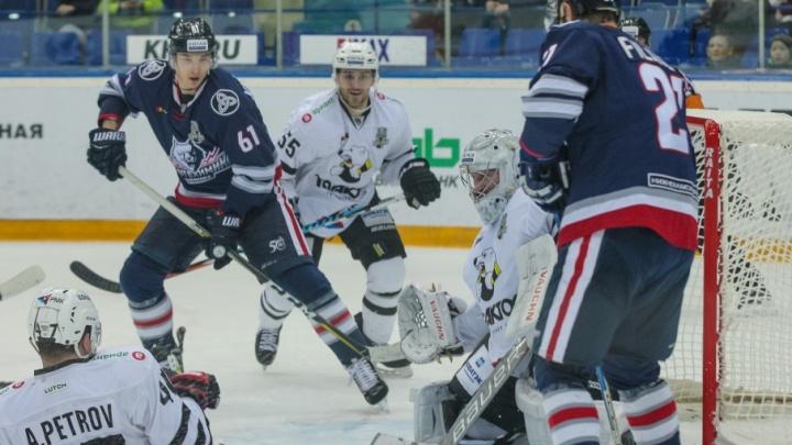 Челябинский «Трактор» продолжит серию плей-офф после поражения в Нижнекамске