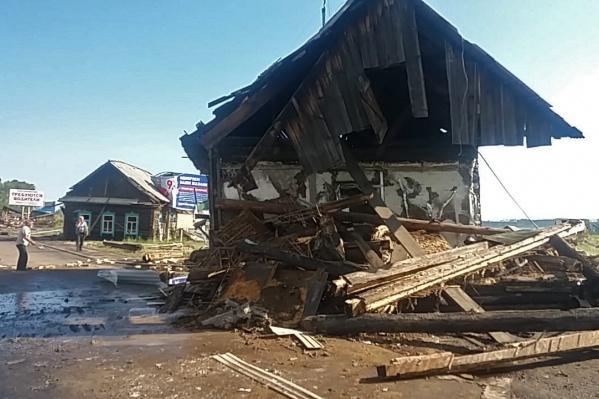 Собранную гуманитарную помощь отправят в Иркутскую область не позднее 12 июля