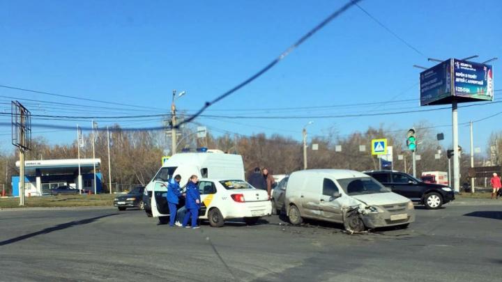 В аварии с «Яндекс.Такси» пострадал челябинец