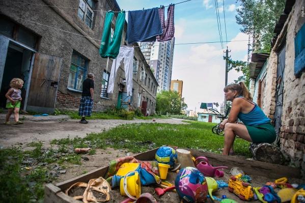 Жителям домов на улице 2 Кирзавод, 18 обещали скорое расселение