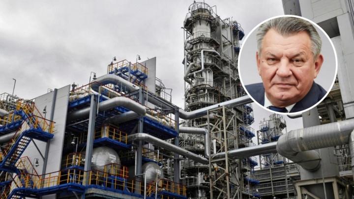 Экс-директор Антипинского НПЗ требует от завода премию 12 миллионов долларов