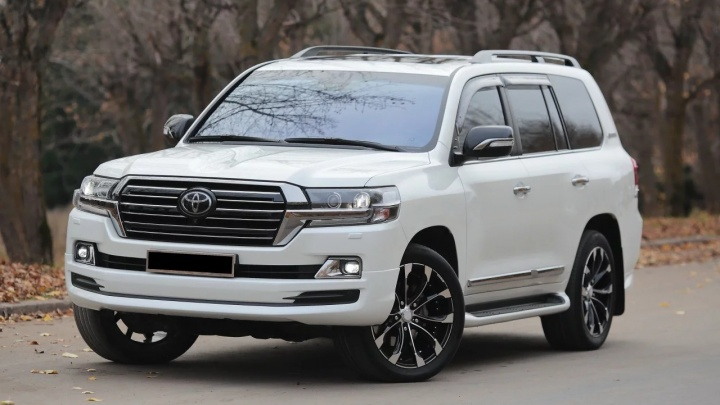 Уфимское производственное предприятие купит себе Land Cruiser за 8,5 миллионов рублей