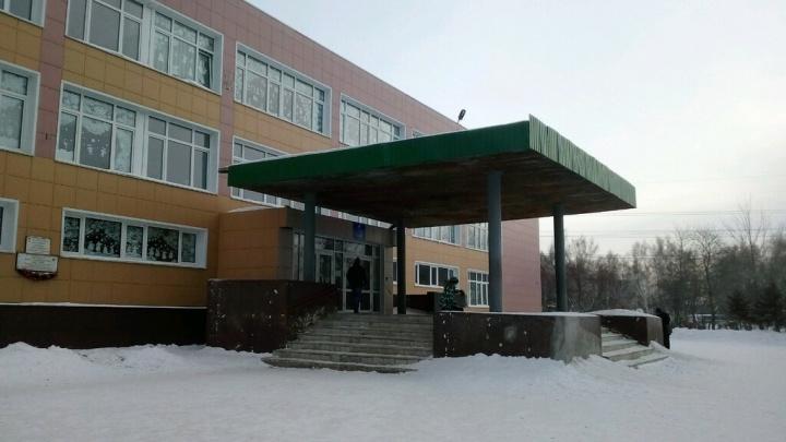 Из омской школы № 99 увольняются учителя. Прокуратура начала проверку