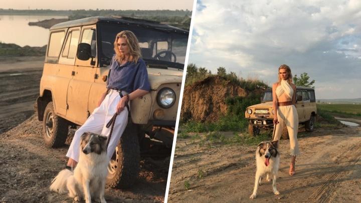Собакам из приюта устроили фешн-фотосессию в стиле сафари с красавицей-моделью