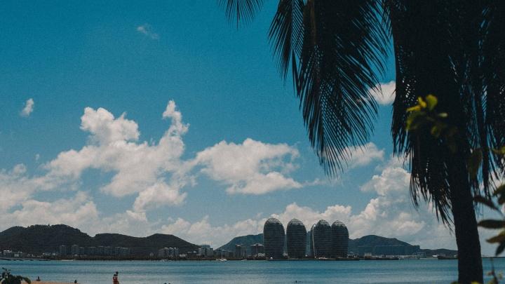 «Хотела отдохнуть с ребёнком на море»: тюменка платит рассрочку за несостоявшийся отпуск в Китае