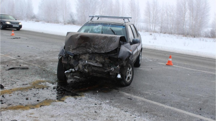 В Марьяновском районе после столкновения трёх автомобилей пострадала двухлетняя девочка