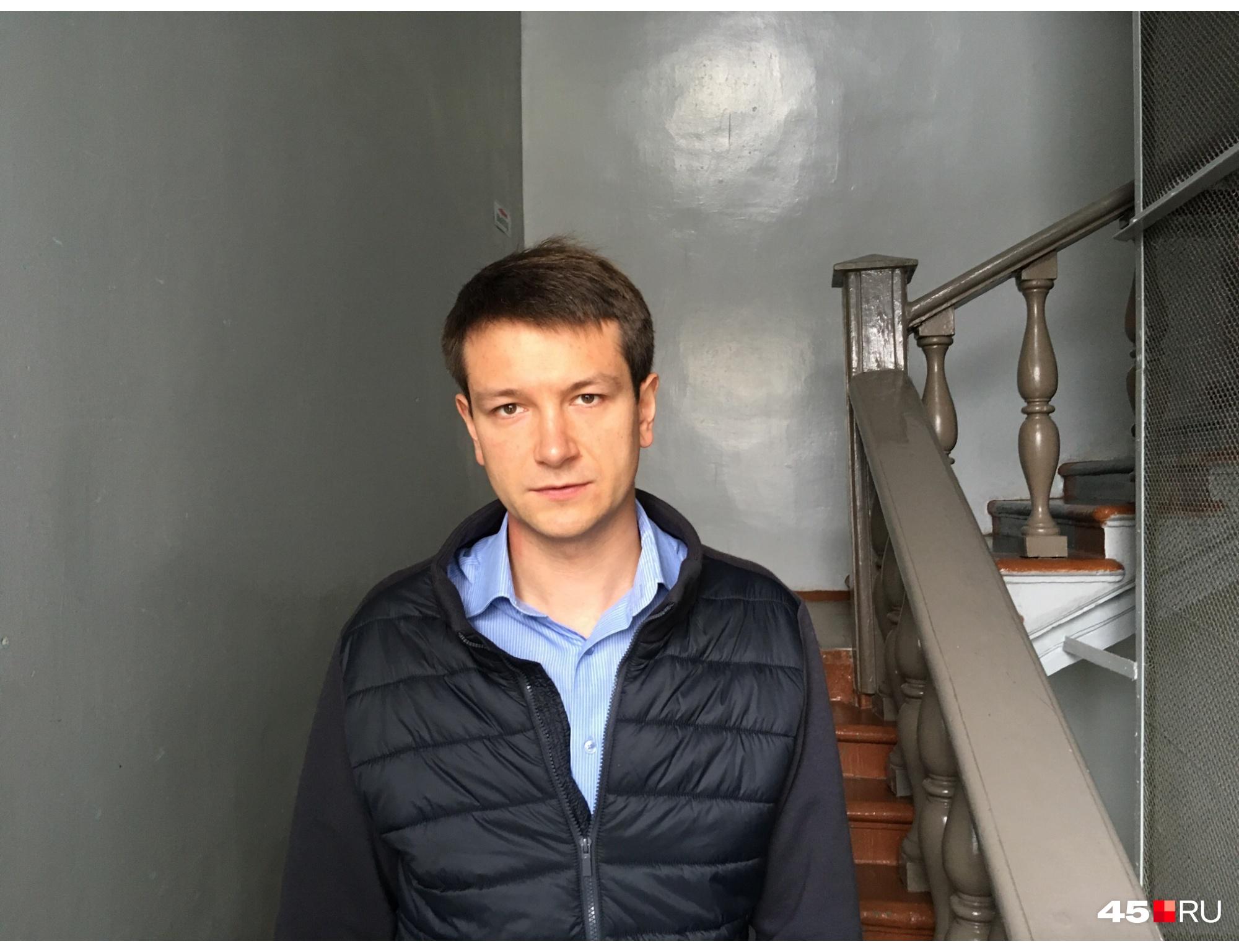 Олег Прозоровпредставляет 11-й избирательный округ