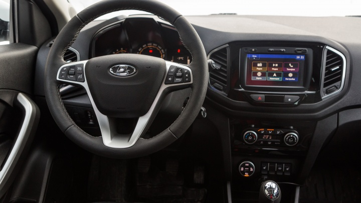 АВТОВАЗ срочно отзывает Lada XRAY Cross из-за угроз поломки рулевого управления