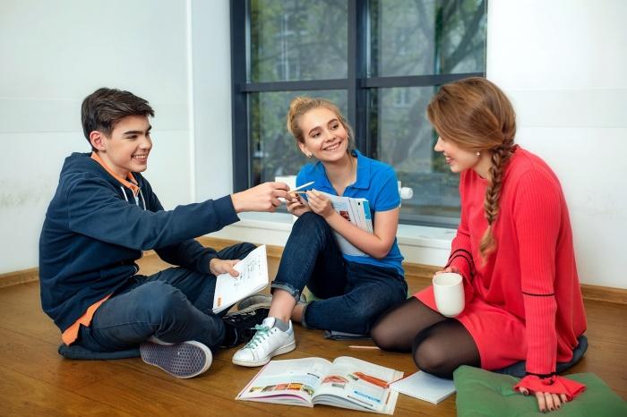В English First помогут школьникам преодолеть языковой барьер за два дня