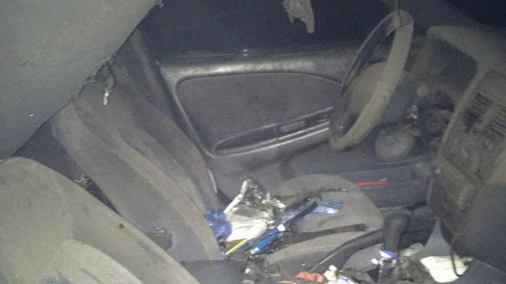 Вспыхнула, пока все спали: в Ярославле загорелась машина