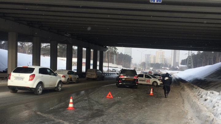 На Московской в массовом ДТП, запись которого пропала с авторегистратора, пострадали два человека