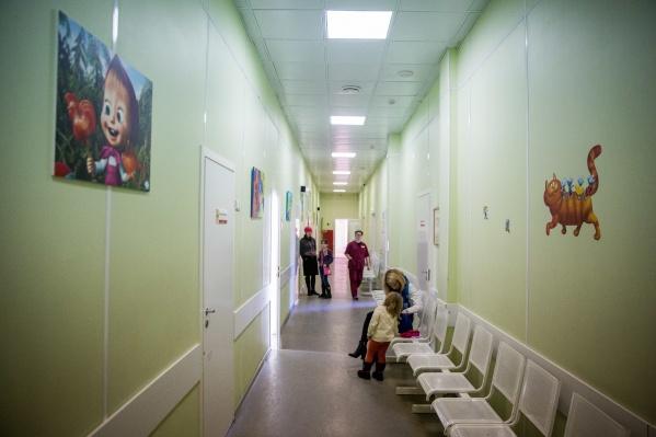 Десятки жителей Новосибирска сейчас болеют корью — большинство из них дети