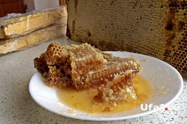 На ярмарках можно будет купить мед, молочную продукцию, свежие овощи и фрукты