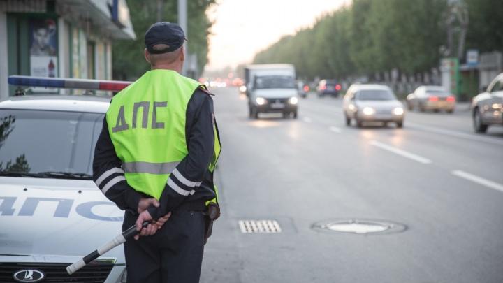 Автоинспекторы устроили засаду и забрали две машины у пьяных новосибирцев