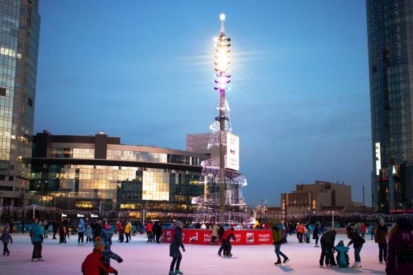 Каток «Исеть Парк» находится в центре Екатеринбурга